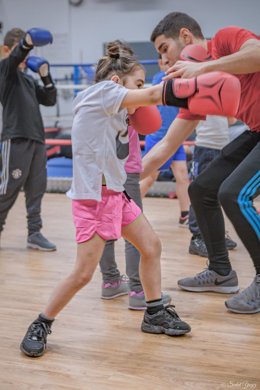 Le regard des petits boxeurs de figuerolles à Montpellier-1